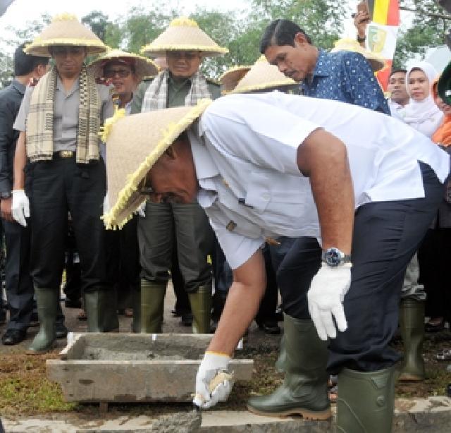 Bupati Dorong Petani Padi Tingkatkan Produksi Untuk Tingkatkan Pendapatan  Keluarga