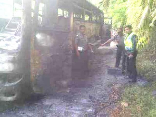Bus PO Yanti Group Kembali Terbakar, 41 Penumpang Selamat, Sopir Kabur