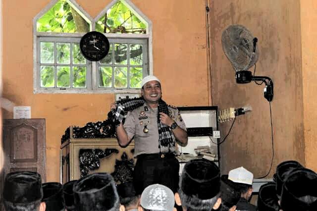 Kapolres Hadiri Tabligh Akbar dan Sosialisasi Zakat di Masjid Raya Kenegerian Sentajo