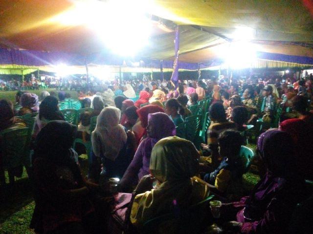 Massa Padati Kampanye MM di Gunung Toar