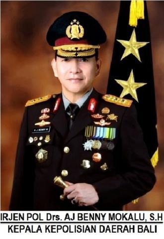Kapolda Bali Irjen Benny Mokalu Masuk Islam