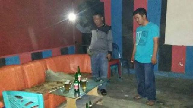 Masih Beroperasi, Pegawai dan Kasir Kafe Digelandang ke Polsek Kuantan Tengah