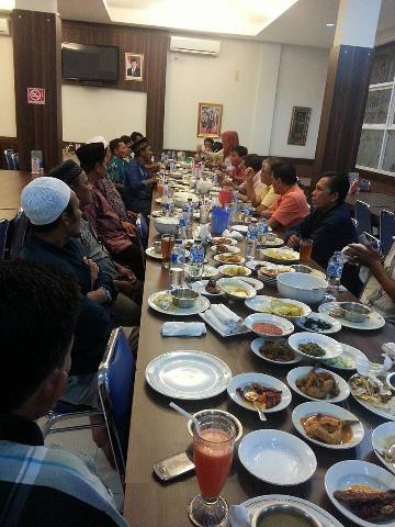 Mardjan Ustha-Muslim Ajak Warga Eks Trans Bahu Membahu Membangun Kuansing