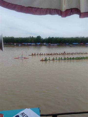 Jalur dari Pangean-KH Mendominasi Hari Final di Pacu Jalur Rayon I
