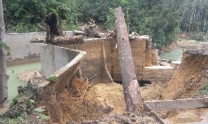 Bendungan Sungai Sambau Pangkalan Indarung Jebol