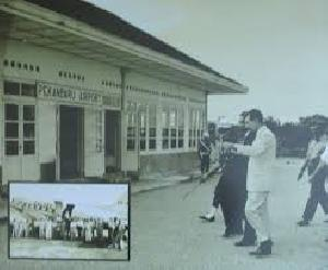 Warga Belanda Serahkan Video Sejarah Bandara Simpang Tiga Pekanbaru