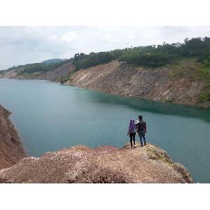 Danau Biru di Desa Petai, Indahnya Alam Antau Singingi