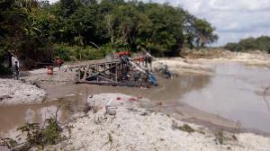 Sungai Kuantan Sempat Jernih Tanpa Aktifitas PETI, Dompeng Harus Ditertibkan