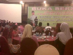 Bukber di Pekanbaru, Bupati Sukarmis Berharap Penggantinya Sarjana