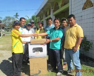 RAPP Serahkan Komputer bagi Desa Petai