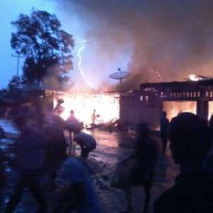 Kebakaran Hebat, 7 Kios dan 2 Rumah di Pasar Benai Ludes Dilalap Api