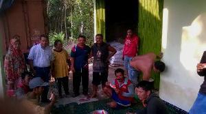 Mardjan Ustha Tinjau Kios Sari Tani di Desa Marsawa Bahas Masalah Kekurangan Pupuk