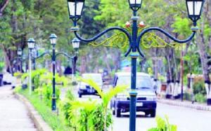 Menuju Kota Wisata, Bupati Minta DLH Rancang Taman dan Lampu Hias Jalan