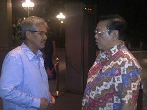 Jelang Rampinas Partai Golkar, Agung Laksono - Sukarmis Bertemu di Jakarta
