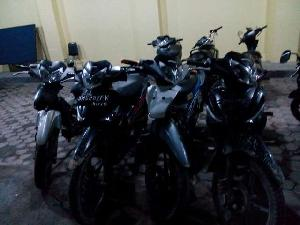 Usai Beraksi di Mesjid, Aksi Kawanan Spesialis Pencuri Motor Ini Berakhir di Sel Polisi