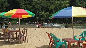 Mau Foto-foto Ala Pantai Kunjungi Sungai Tabijo