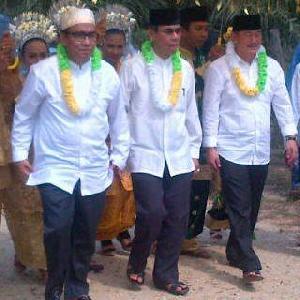 Mursini-Halim Halal Bi Halal dengan Warga desa Pulau Padang Singingi