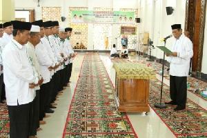 Bupati Minta Pengurus Masjid Agung dan MUI Kuansing Kawal Aqidah Umat