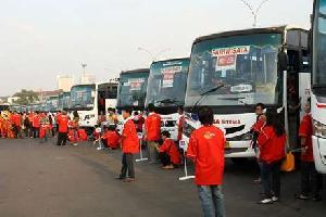 Ratusan Peserta Mudik Bareng Telantar 10 Jam di Senayan