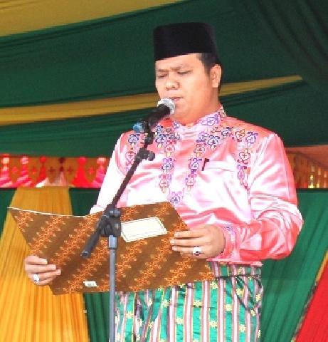 Galeri Fhoto Ketua, Wakil Ketua dan Anggota DPRD Pada Acara HUT Kabupaten Kuantan Singingi ke-17