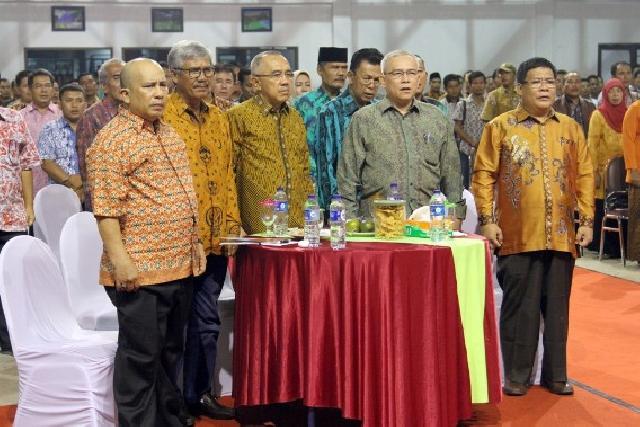Galeri Fhoto Bupati Sukarmis Pada Acara HPN, MoU TP4D dan Paripurna LKPJ AMJ